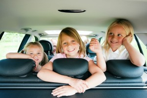 Non Tech Ways to Entertain your Kids while Traveling